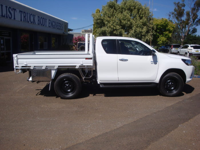 Toyota – Hilux – Space Cab